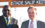 Inauguration du stade Salif-Keita, le 27 septembre, en présence du premier Ballon d'or africain Salif Keïta et du maire Dominique Lefebvre. © Lionel Pagès